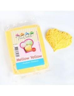 Fondant FunCakes amarillo